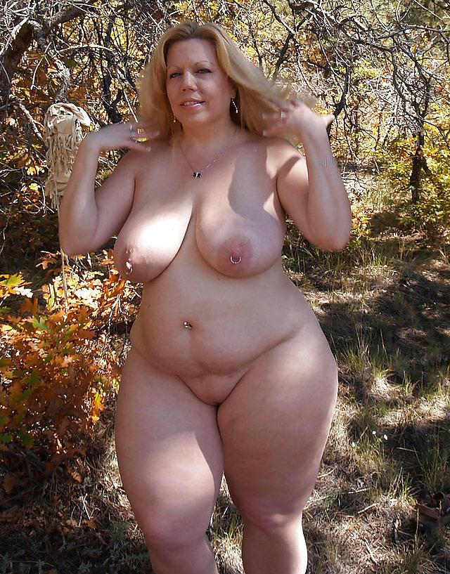 фото голых молодых дам